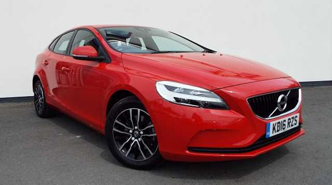 Volvo V40 T2 Momentum Manual