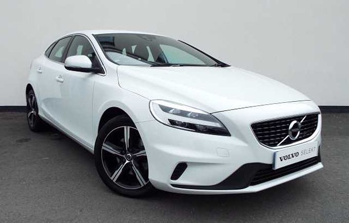 Volvo V40,T2 R-Design Manual Dynamic Chassis, Power Adjustable and Heated Door Mirrors