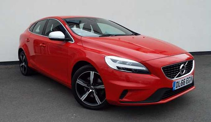 Volvo V40 2.0 T2 R-Design 5-Door Hatchback Winter Pack, Cruise Control, Rear Park Assist.
