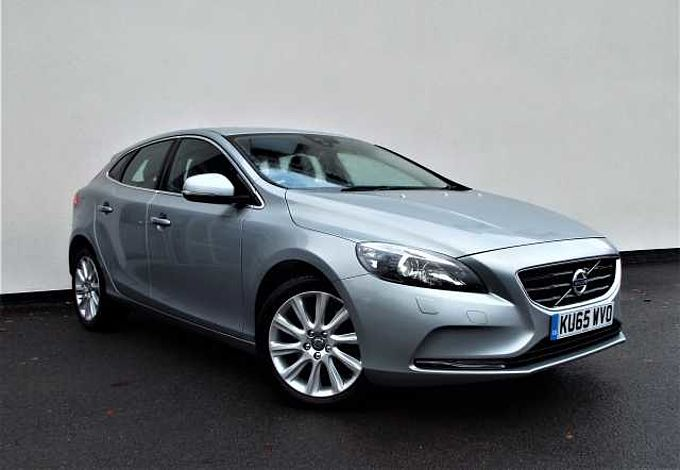 Volvo V40 D2 SE Lux Automatic Nav Lux Winter Pack, Sensus Nav, Rear Park Assist