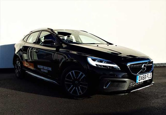 Volvo V40  T3 Cross Country Manual Rear Park Assist, High Performance Sound, City Safety