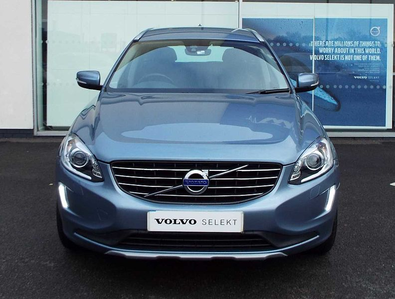 Volvo XC60 D4 SE Lux Nav Automatic (Winter Pack, Sensus Navigation, Rear Park Assist)