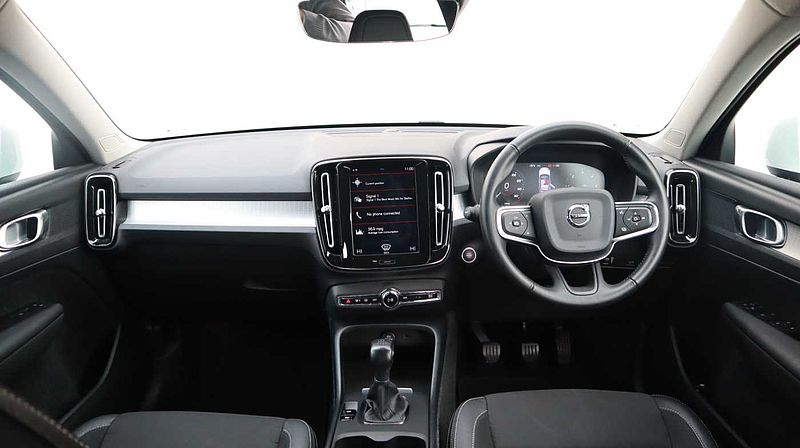 Volvo XC40 D3 Momentum Manual (Rear Park Camera, Volvo On Call, Navigation Pro)